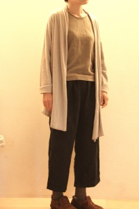 ①wabi-sabiパンツ+wabi-sabiシャツ+ラフコットンストールカーディガン